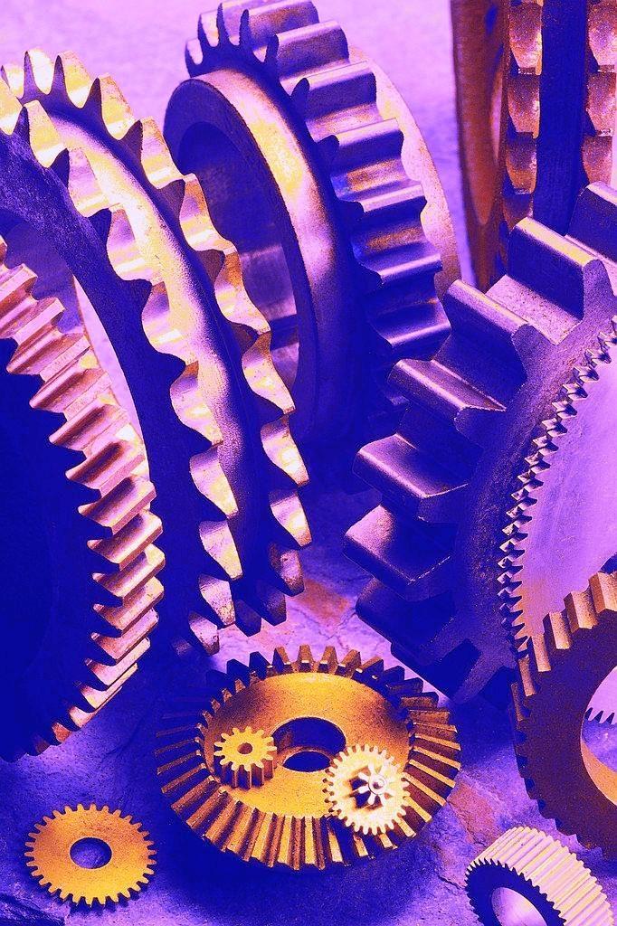 gears-toned