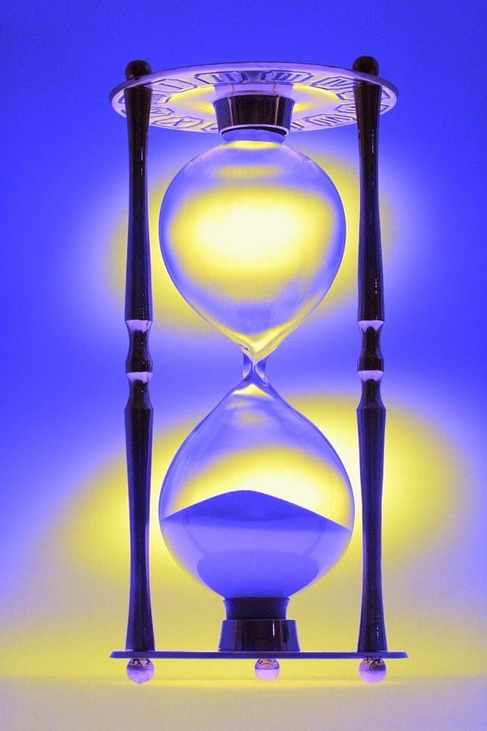 hourglass-toned